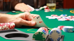 kak-igrat-v-poker